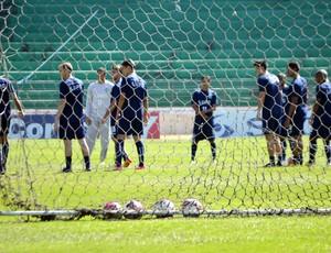 Guarani treina para enfrentar o Paraná Clube, em Campinas (Foto: Murilo Borges / Globoesporte.com)