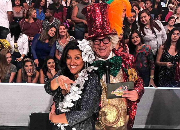 Regina Casé e Stepan Nercessian no especial 'Chacrinha - Eterno Guerreiro' (Foto: Reprodução/Instagram)