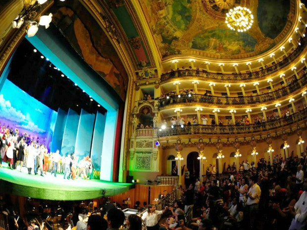 Apresentação das 'Aventuras da Raposa Astuta' durante o Festival Amazonas de Ópera, no Teatro Amazonas  (Foto: Fotos: Wesley Andrade/SEC)