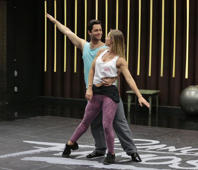 Rainer Cadete e Juliana Valcézia estão se dando superbem no 'Dança 2016' (Foto: Felipe Monteiro / Gshow)