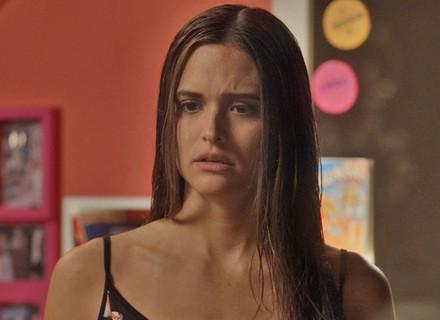 Débora briga com Cassandra por causa de Fabinho