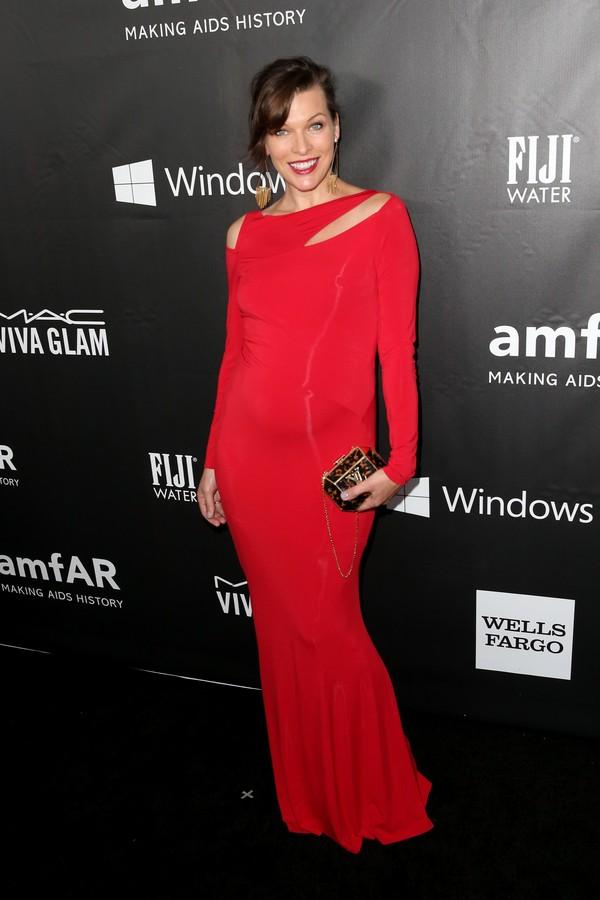 A atriz Milla Jovovich tinha 18 anos quando casou (Foto: Getty Images)