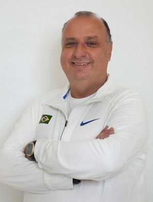 Georgios Stylianos Hatzidakis fala sobre o atletismo no seminário (Foto: Divulgação)