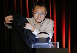 Shuhei Yoshida, presidente dos estúdios globais da Sony. apresenta o Project Morpheus (Foto: Jeff Chiu/AFP)