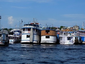 A foto intitulada foi nomeada de 'Estacionamento de Manaus', onde barcos atracam, no Centro da capital (Foto: Thiago Poncio Bastos/VC no G1 )