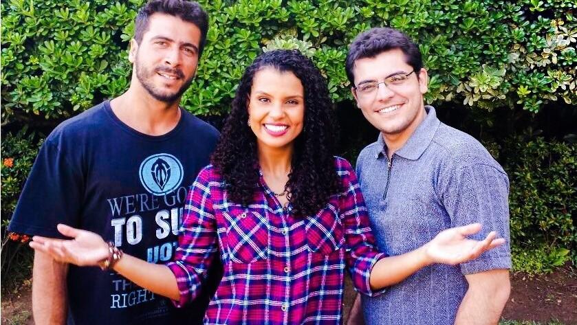 Vitor Gozzer, Lorena Fafá e Vitor Zucolotti esperam por você nesse encontro. (Foto: Alana Paganucci)