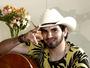 Mais Caminhos tem entrevista com o cantor Loubet e rotina das blogueiras