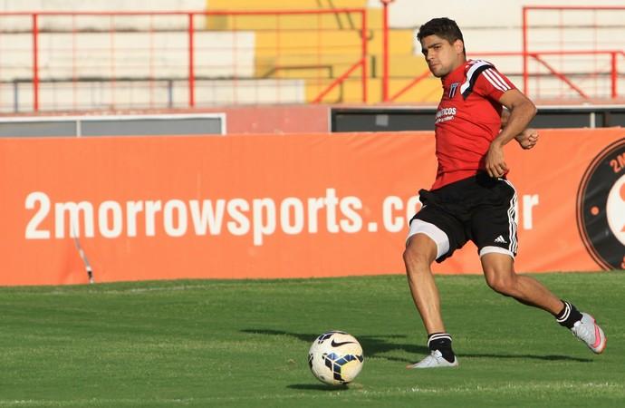 Jogadores do Botafogo-SP aprovam opção de Veiga por