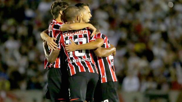 comemoração do São Paulo contra o Bragantino  (Foto: Celio Messias / Vipcomm)