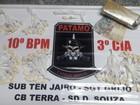 Homem é flagrado com mais de 90 sacolés de cocaína em Valença, RJ