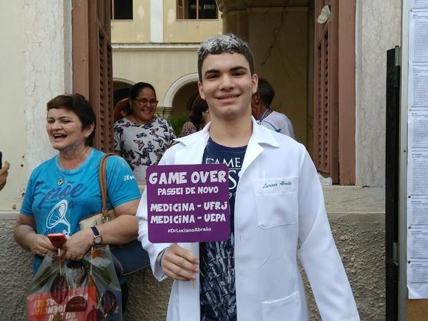 Luciano Sami, de 18 anos, foi o terceiro lugar geral do Prise. Ele passou para cursar Medicina na instituição.  (Foto: Arthur Sobral/G1)