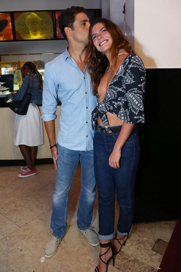 Cauã Reymond e Mariana Goldfarb (Foto: Roberto Filho / Brazil News)