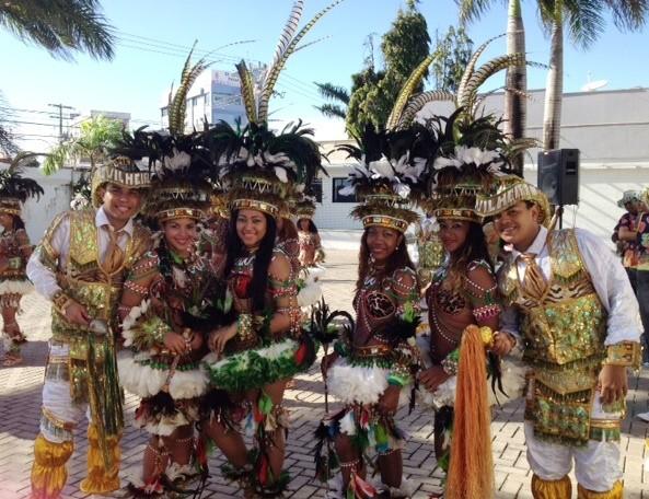 Índias e campeadores do Boi Novilho Branco, que completa 8 anos em 2013 (Foto: Teresa Dias/G1)