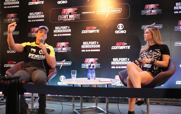 Lyoto Machida em evento para fãs em Goiânia (Foto: Rodrigo Malinverni)