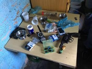 Material apreendido pela polícia durante a ação (Foto: Polícia Civil/Divulgação)