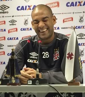 Rodrigo Vasco rindo Fred (Foto: Chandy Teixeira)
