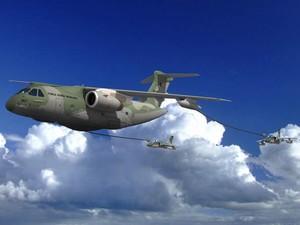 Imagem gerada digitalmente simula o KC-390, da Embraer, realizando o abastecimento de jatos em pleno voo (Foto: Reuters/Embraer)