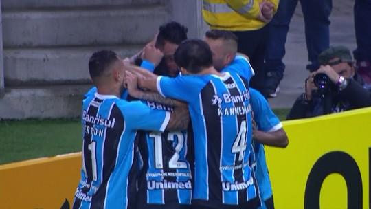 Carrasco do Flu, em branco contra o Grêmio: o duelo à parte de Barrios e Dourado