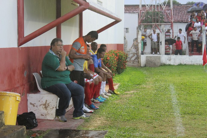 Amuleto não funciona e Luís Miguel vê River-PI ser campeão do returno (Foto: Josiel Martins)