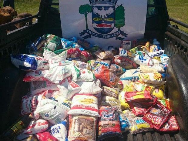 Participantes doaram alimentos para a campanha Bem Legal da TV TEM (Foto: Renata Marconi/G1)