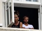 Steven Tyler se irrita com os paparazzi no Rio de Janeiro