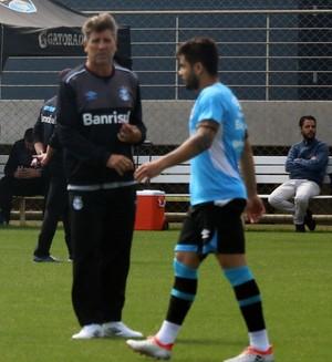Renato; Henrique Almeida; Grêmio (Foto: Beto Azambuja/GloboEsporte.com)