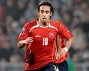 Com quatro 'brasileiros', Chile divulga lista para amistoso contra a Seleção