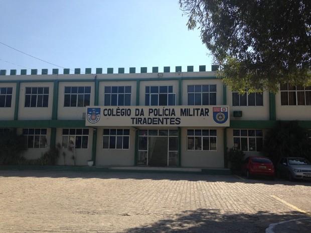 Ensino estadual aparece apenas na 54ª posição, que é a do Colégio Tiradentes  (Foto: Natália Normande/G1)