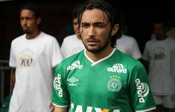 """Narrador fica louco com """"canudo"""" de Apodi no 1 a 0 da Chape sobre o Santos"""