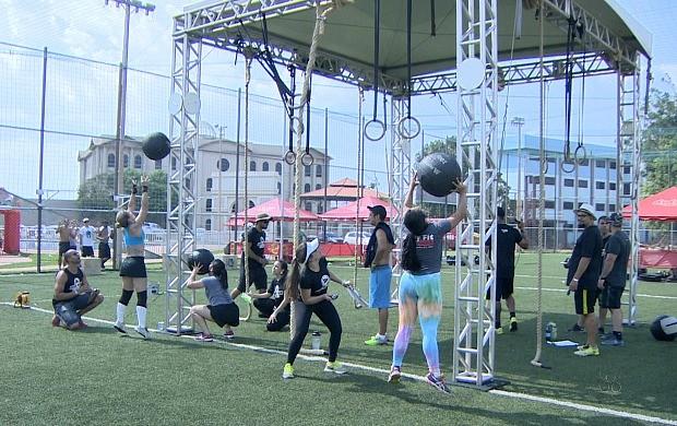 Atletas participam de campeonato de crossfit, em Porto Velho (Foto: Globo Esporte)