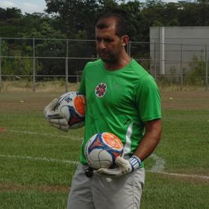 Ex-goleiro Rodrigo Poço é o treinador de Thulio (Foto: Wilkson Tarres/GE)