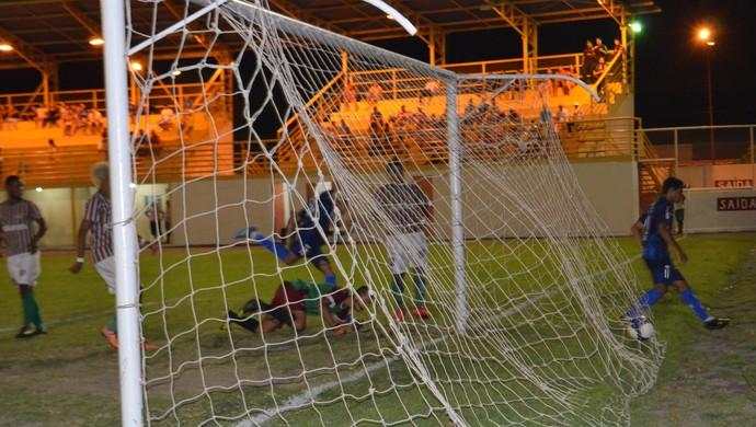 São Raimundo-RR abre o placar com Careca (Foto: Ivonísio Júnior)