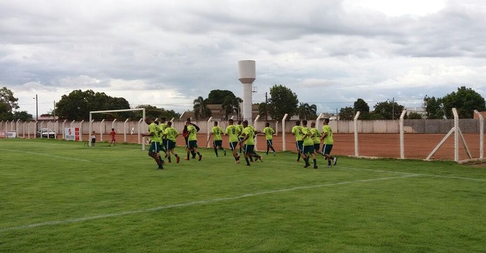 Time estreia na Copa do Brasil contra o Londrina-PR (Foto: Jairo Santos/ TV Anhanguera)