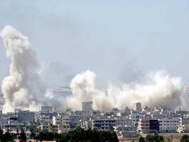 Explosão ocorreu em Kobane na manhã deste sábado (Foto: REUTERS/Stringer TPX)