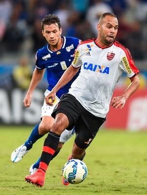 Alecsandro Cruzeiro x Flamengo Mineirão (Foto: Pedro Vilela/Agência Estado)
