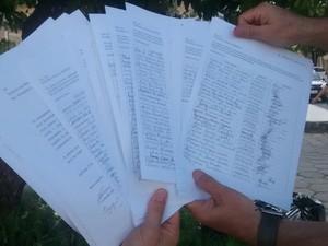 Cerca de 1270 assinaturas foram recolhidas e encaminhadas ao MT (Foto: Patrícia Belo / G1)