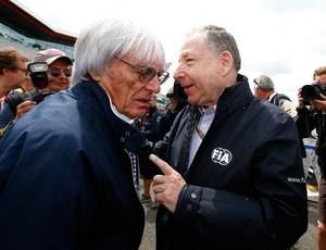 Bernie Ecclestone e Jean Todt durante o GP da Inglaterra de 2015 (Foto: Getty Images)