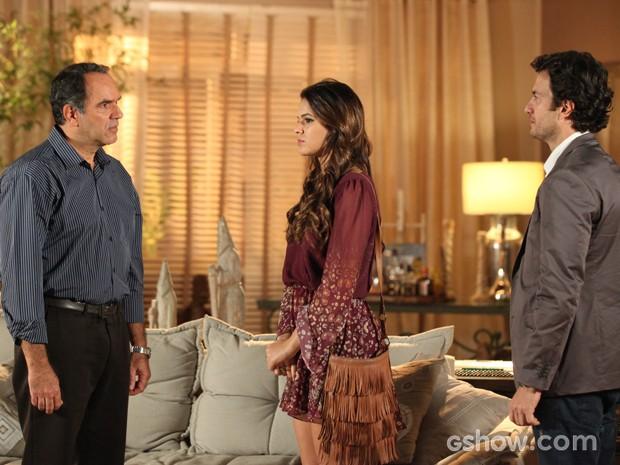 Virgílio recebe Luiza e Laerte em sua casa (Foto: Camila Camacho / TV Globo)