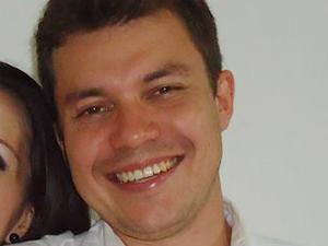 Douglas Lourenço era refém de um suspeito quando foi morto em troca de tiros com PMs na Redinha, em Natal (Foto: Arquivo pessoal/Douglas Lourenço)