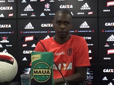 Juan coletiva Flamengo (Foto: Gustavo Rotstein/GloboEsporte.com)