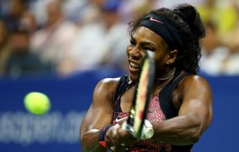 Serena sofre, se recupera com direito  a pneu e vai às oitavas do US Open