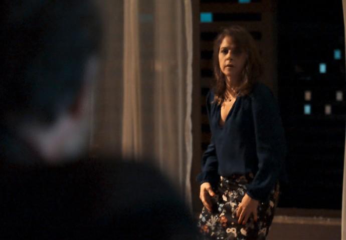 Vânia caiu da janela após discussão com Antenor  (Foto: TV Globo)