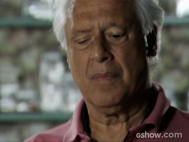 César não confia mais em Aline (Foto: Amor à Vida/TV Globo)