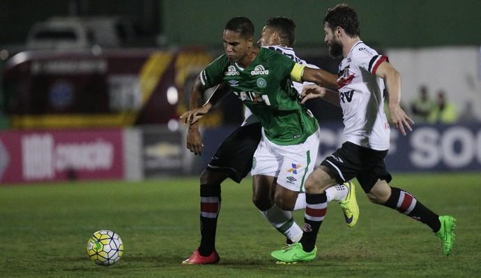 Chapecoense x Santa Cruz (Foto: MáRCIO CUNHA/MAFALDA PRESS/ESTADÃO CONTEÚDO)