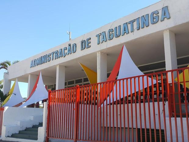 Fachada da Administração Regional de Taguatinga (Foto: Raquel Morais/G1)