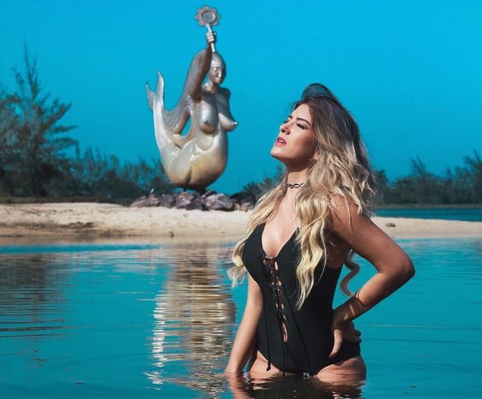 Lorena mantém o corpão com dança e dieta equilibrada (Foto: Carlos Davi/Divulgação)