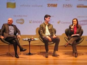 O chef André Boccato (esq.), Francis Manzoni (coordenador da programação do Sesc na Bienal) e Cristina Lira (curadora da CBL no evento) (Foto: Cauê Muraro/G1)