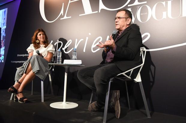 Com mediação de Taíssa Buescu, diretora de redação da Casa Vogue, Fernando Campana falou do projeto do Instituto Campana que transformou a lama de Mariana nos cobogós expostos no CVE (Foto: Cleiby Trevisan)