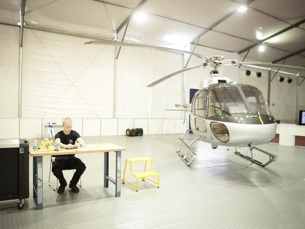 Helicópteros foram utilizados para disputa de técnico em manutenção de aeronaves da WorldSkills (Foto: Caio Kenji/G1)