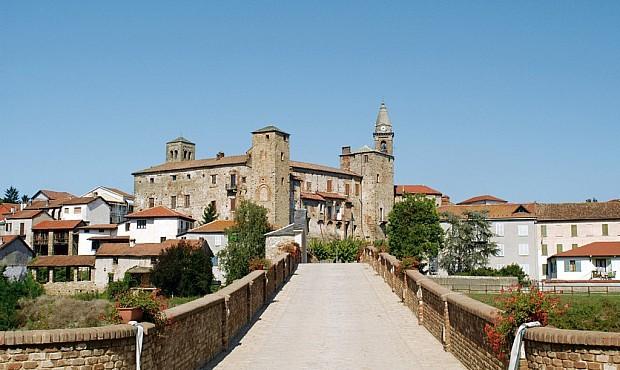 Vila de Bormida, na Liguria, Itália (Foto: Reprodução/Facebook)
